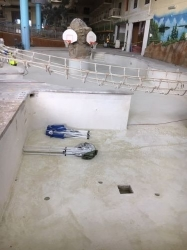 midwest-dry-ice-blasting-inc-great-wolf-water-park-pool-coating-removal3